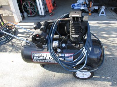 4.5 H.P. CAMPBELL HAUSFELD AIR COMPRESSOR