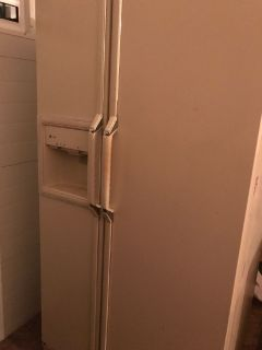 Bisque Side-by-side GE Refrigerator For Sale