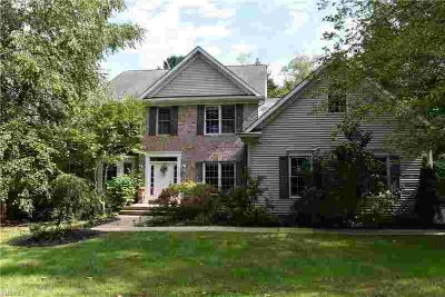 11145 Beechnut Ln Chardon, Spacious Five BR & Five BA