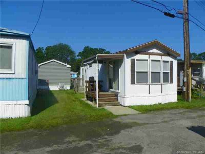 18 Ferri Drive Waterford, 1 BR unit in mobile home