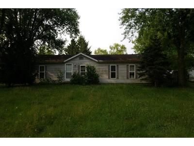 3 Bed 1.0 Bath Foreclosure Property in Elkhart, IN 46514 - Rogers Rd