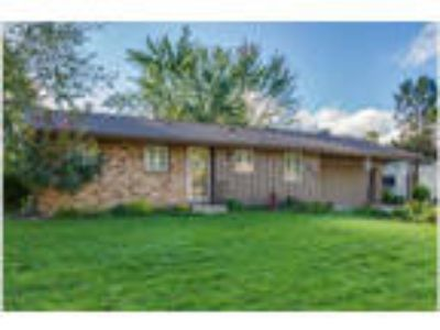 Family-friendly location! Four BR Apple Valley SFH avail Aug. 31!
