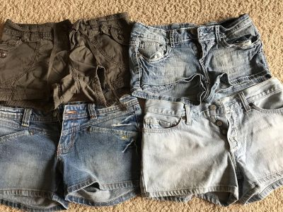 4 pairs of junior shorts - ppu $7 for all