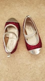 Baby girl size 5 magenta sparkly shoes