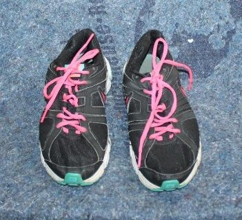 $15 Nike DownShifter 5 Women Running shoes Black Red Blue Size 7