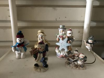 All these snowmen for $2