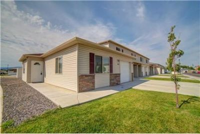 nice new townhome (3bd)