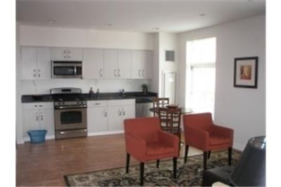 Boston, prime location 1 bedroom, Condo. Single Car Garage!