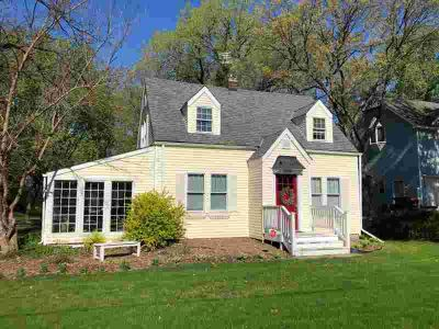 1709 Howard Street N MAPLEWOOD Three BR, Property taxes do not