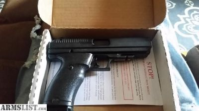 For Sale: .40 Hipoint pistola