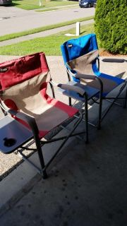 Folding Chairs with Folding Table