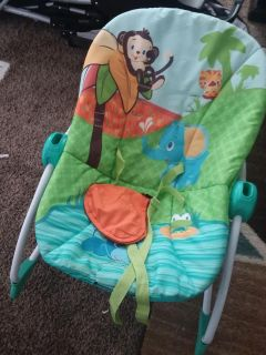 Baby rocker no toys on great condition