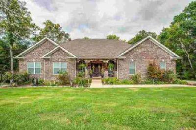 1454 Oak Leaf Dr Columbia Four BR, Beautiful Custom Home!
