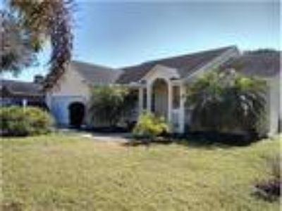 PRICE REDUCED**Come Live in Paradise* Updated 3/2/2* Desirable Location*