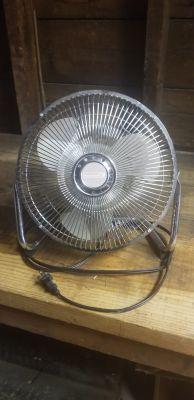 Small metal fan