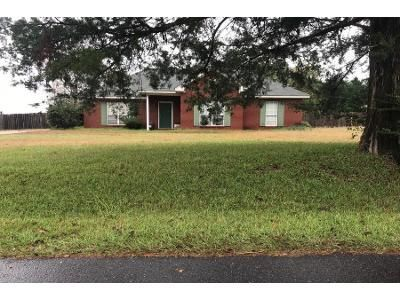 2 Bath Preforeclosure Property in Millbrook, AL 36054 - Canton Rd