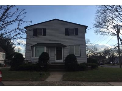4 Bed 2 Bath Preforeclosure Property in New Hyde Park, NY 11040 - 8th Ave