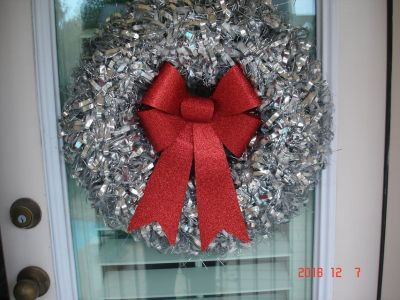 Red Bow Silver Wreath