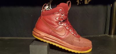 NIKE LF1 Red Edition (size 13)