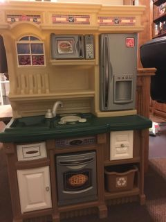 CUTE Toy play kitchen