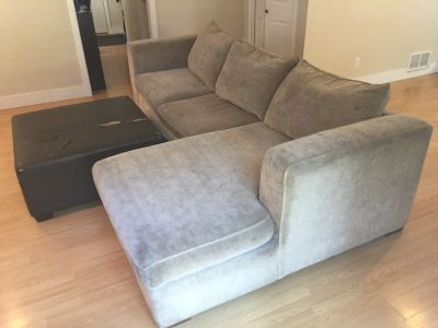 Free L-couch with Ottoman