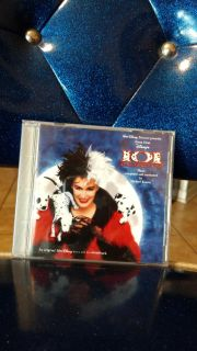 EUC, (1996) Disney's: 101 Dalmatians CD. Ave online price w/shipping is $10.00. Asking $7.00