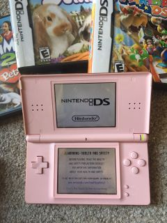 DS lite Nintendo works great and excellent condition