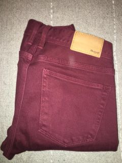 Madewell bootleg wine colored jeans in size 25x32