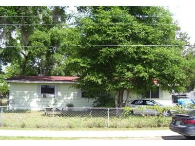3 Bed 2 Bath Preforeclosure Property in Keystone Heights, FL 32656 - SW Field Ave