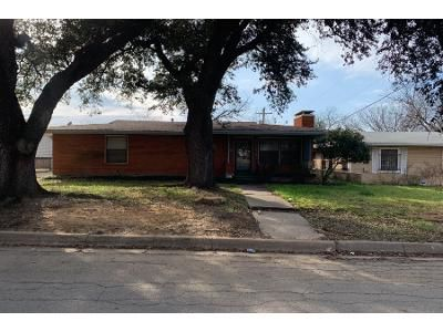 3 Bed 2 Bath Preforeclosure Property in Fort Worth, TX 76112 - Grandview Dr