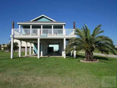 879 Holiday Drive Crystal Beach Three BR, Well maintained modular