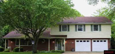 50 University Court Mankato Five BR, Well maintained and updated