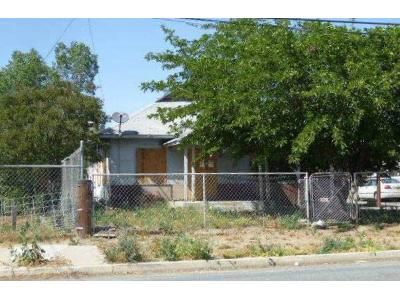 2 Bed 1 Bath Foreclosure Property in Tulare, CA 93274 - W Beacon Ave