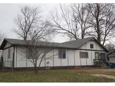 3 Bed 2 Bath Foreclosure Property in Joplin, MO 64801 - N Washington Ave