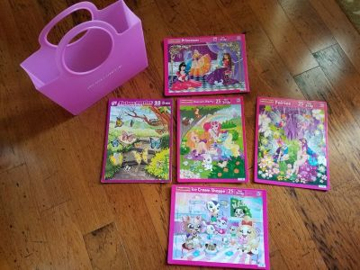 Girls Puzzle Set w/ Carrying Tote