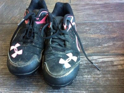 Under armour 1.5 softball cleats