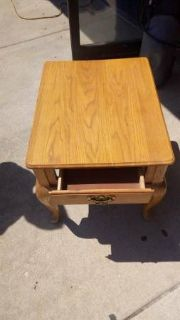 Oak Side/Lamp Table
