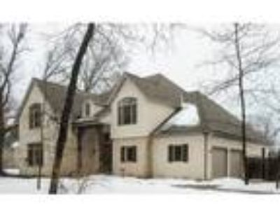 Four BR, Four BA, 3,803 sqft single family house in Lake Forest