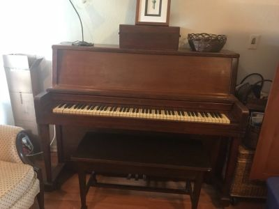 Beautiful Wurlitzer upright piano