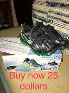 Shoes for boys Skechers size 11.5 brand new in box