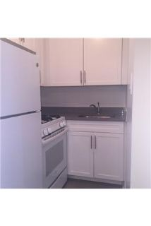 Studio Apartment / 1 Bath in Kew Gardens, Queens.