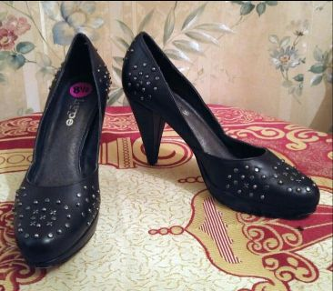 """""""Hype"""" Black Leather High Heeled Pumps"""