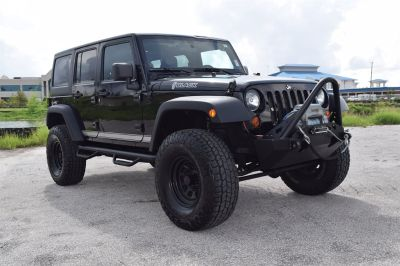 2011 Jeep Wrangler Unlimited Rubicon (Black)