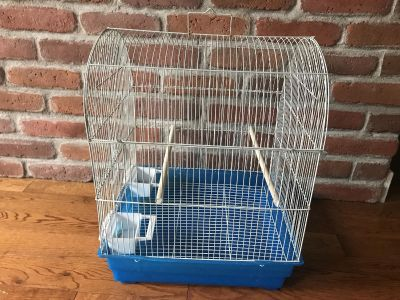 Single small bird cage. Good condition! Price is firm!