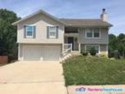 Home in Raymore-Peculiar School.1 Month FREE RENT!
