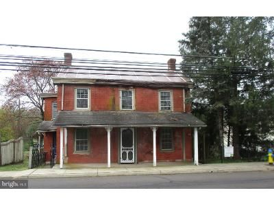 4 Bed 2 Bath Foreclosure Property in Perkasie, PA 18944 - E Walnut St