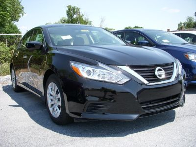 2018 Nissan Altima 2.5 (Super Black)