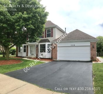 4 bedroom in Carol Stream