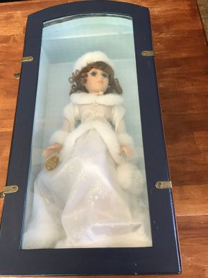 Limited Edition Collectors Choice porcelain doll in case Certificate of Authenticity