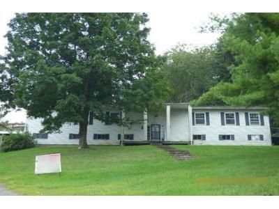4 Bed 2 Bath Foreclosure Property in Morgantown, WV 26501 - Fairmont Rd